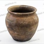 Древнерусский глиняный горшок.
