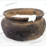 Фрагмент глиняного древнерусского горшка.